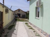 Продаю 3-и Дома - мини пансионат на одном участке (10 соток) общей площадью 360 м2, готовый бизнес с доходом 500 000 р в сезон.