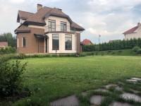 Элитный коттедж на берегу Ждановского озера