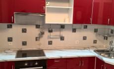 Яркая кухня в стиле Хай-тек от Premier Garden
