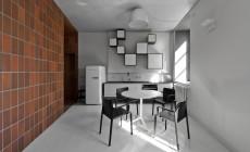 Нестандартное оформление кухни в черно-белом цвете