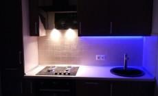 Кухня с декоративной подсветкой от Premier Garden