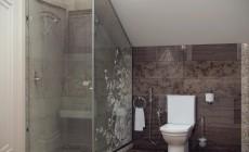 Ванная комната 16 кв.м в классическом стиле.