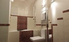 Ванная комната 10 кв. м в однокомнатной квартире для молодой девушки