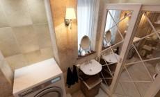 Туалет 2 кв. м на первом этаже загородного дома в классическом стиле