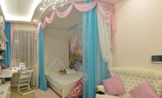 Детская комната 15 кв. м для девочки на втором этаже загородного дома