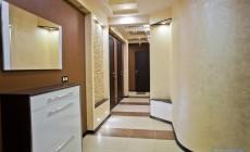 Прихожая и коридор 20 кв. м в современном стиле