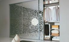 Шкаф-купе с использованием  узорчатого стекла