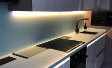 Столешница с кухонным фартуком из искусственного камня Corian Mint Ice