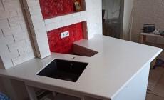 Кухонная столешница сложной формы из искусственного камня Staron Tempest FP100 Peak Tempest