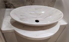 Столешница с раковиной-чашей из искусственного камня Corian для ванной комнаты