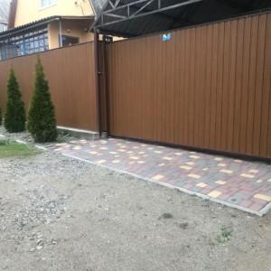 Забор из профнастила с установкой под ключ в Запор
