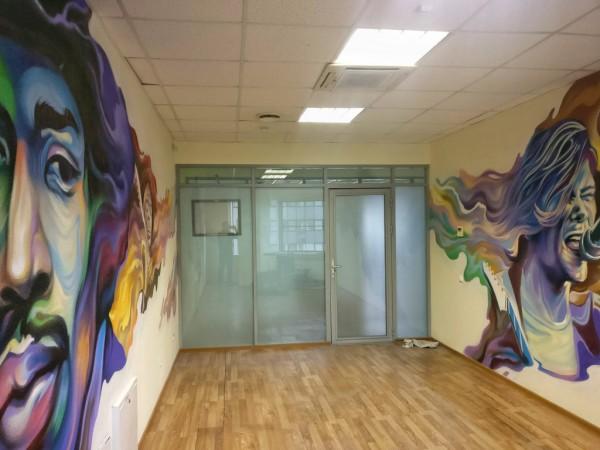 Оформление комнаты в офисе IT компании