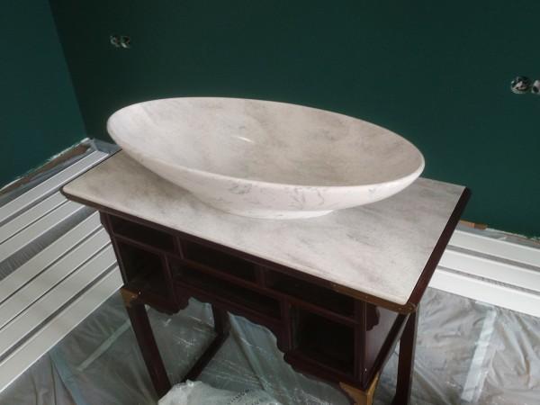 Столешница и раковина для ванной комнаты из искусственного камня Corian Arrowroot