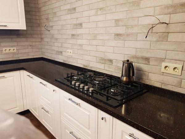Кухонная столешница для загородного дома из искусственного камня Tristone TS-202 Apollo
