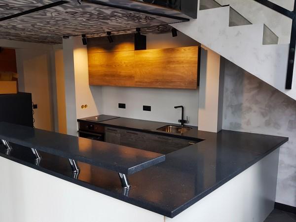 Кухонная столешница с барной стойкой из искусственного камня Tristone ST-020