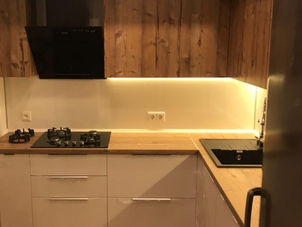 Двухуровневая кухня от Premier Garden