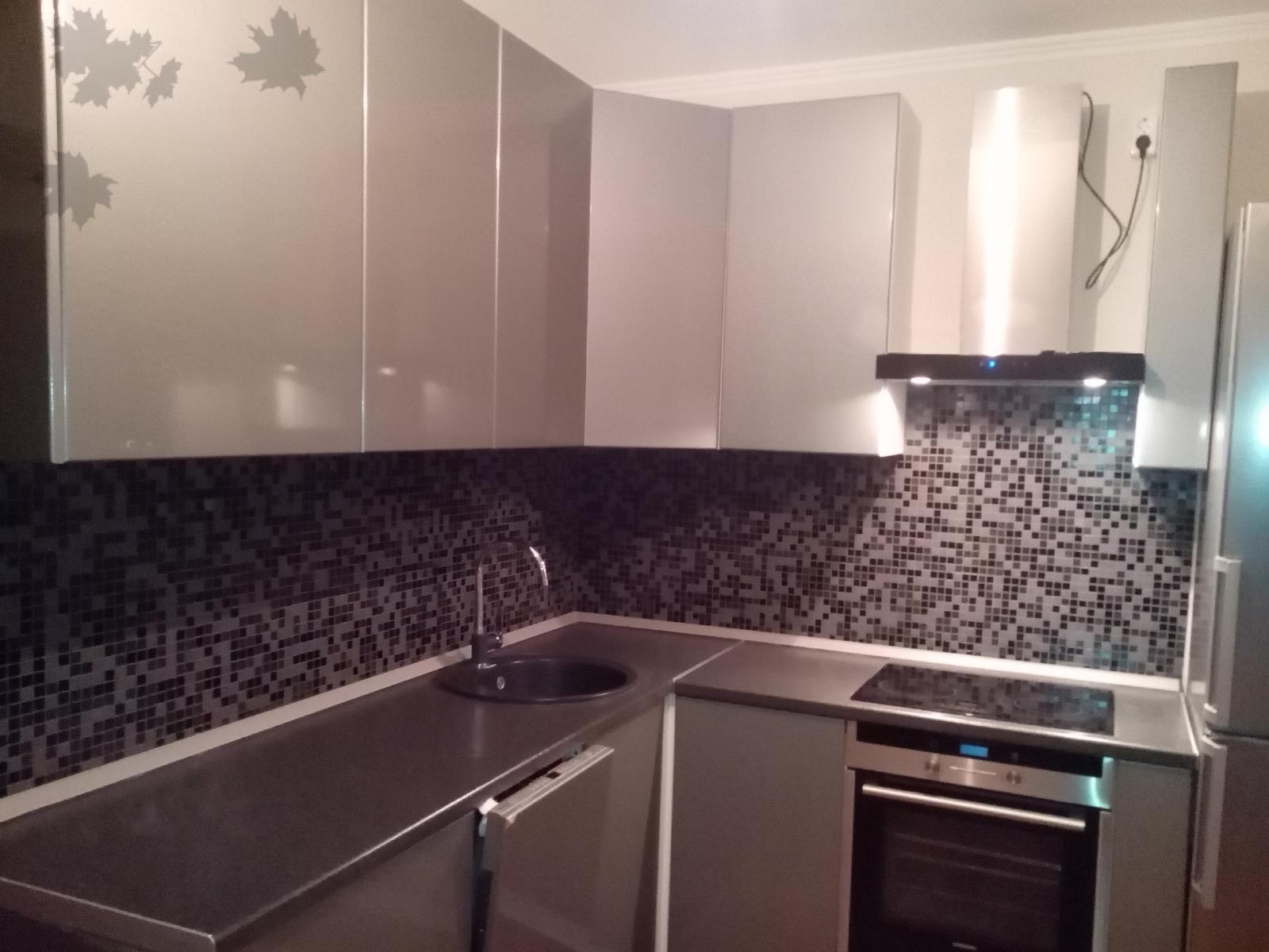 Кухня серого цвета