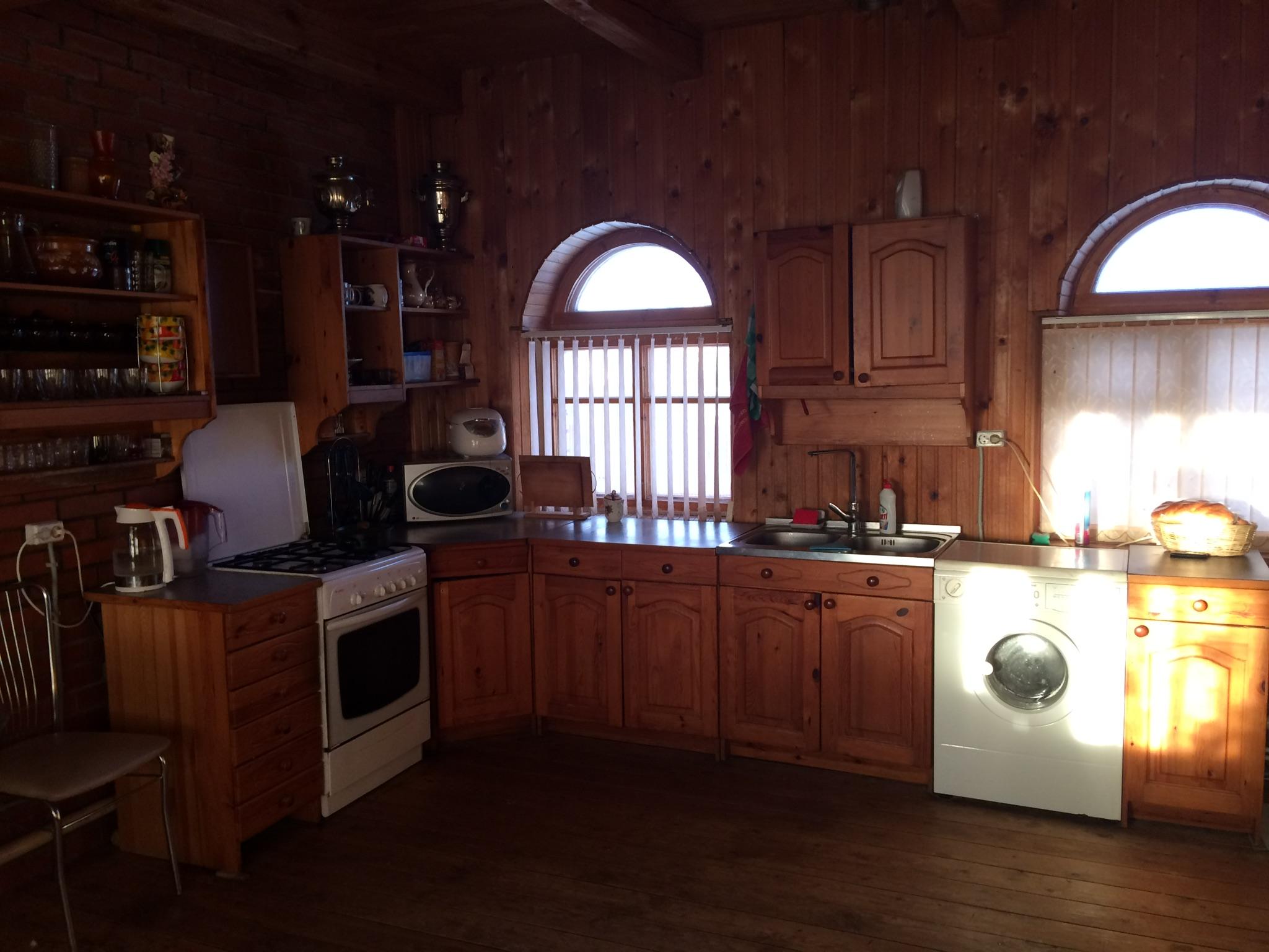 Продаётся жилой дом в коттеджном посёлке 2,5 км от города